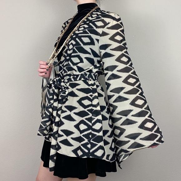 Show me your mumu- aztec print kimono